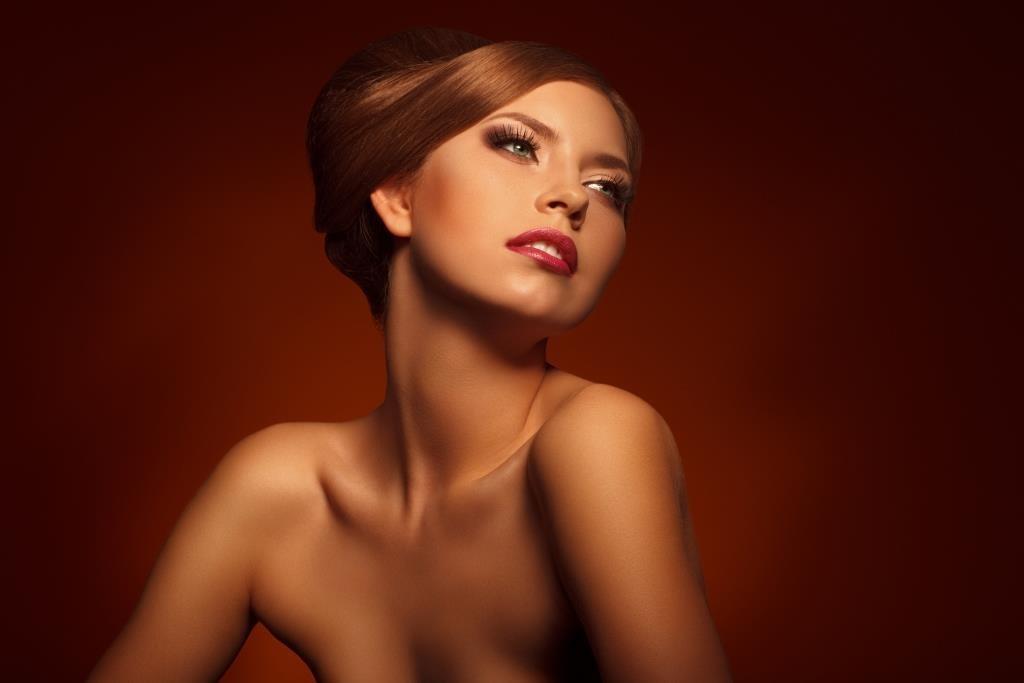 ccf9122f76ced A maquiagem para a pele bronzeada   O seu portal de beleza na web ...